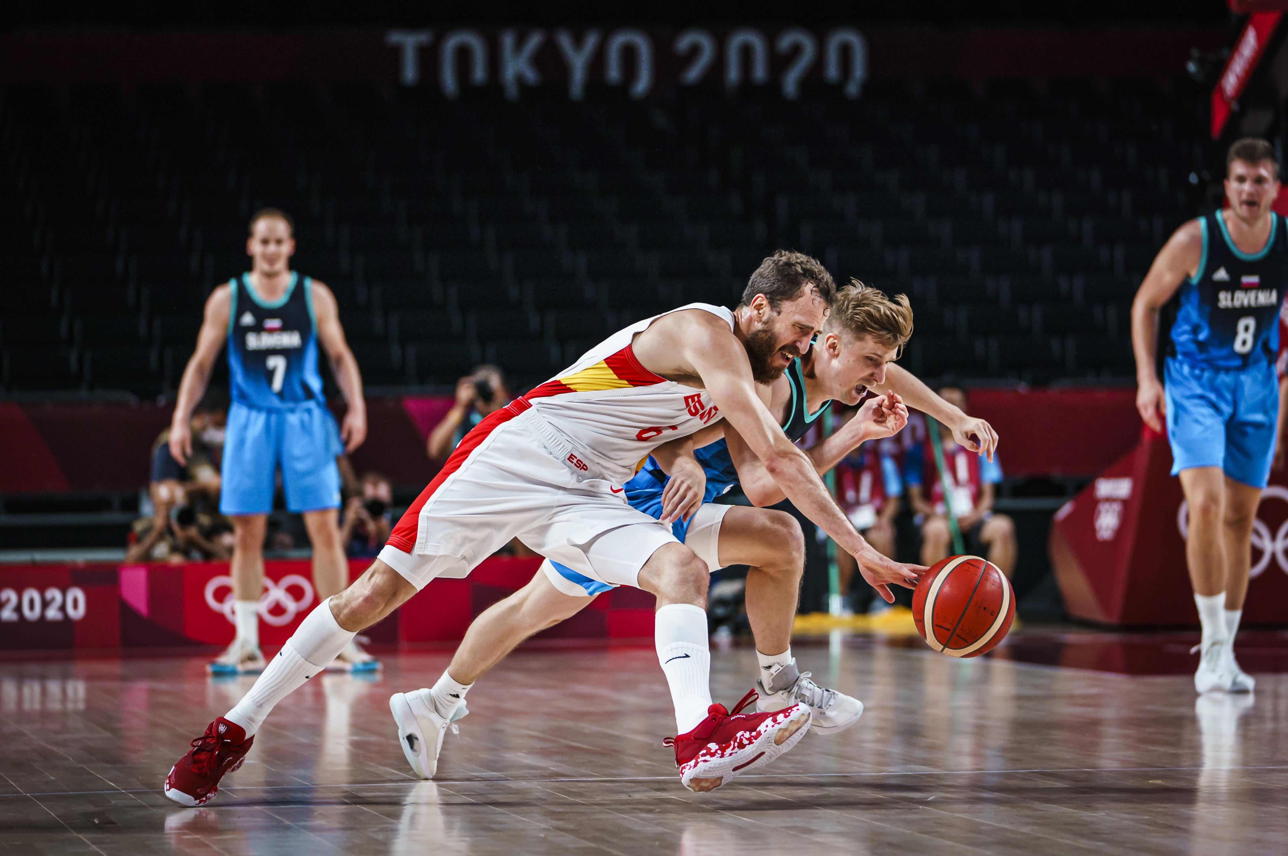 La selección masculina pierde ante Eslovenia y se complica la existencia olímpica
