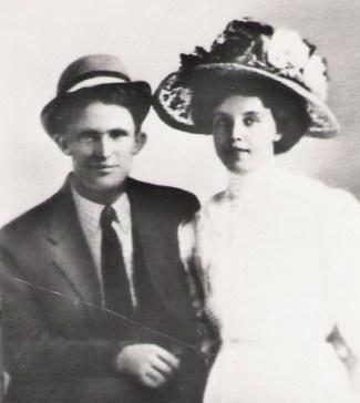 1909 H and E Wedding