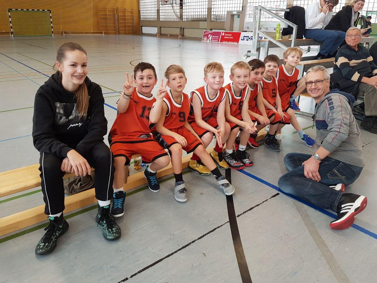 Minis von Baskets und Kangaroos haben viel Spaß!