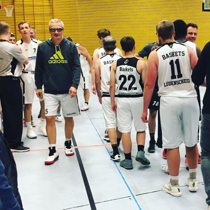 Herren-Kreisliga: Stefans Buzzer Beater bringt den Sieg