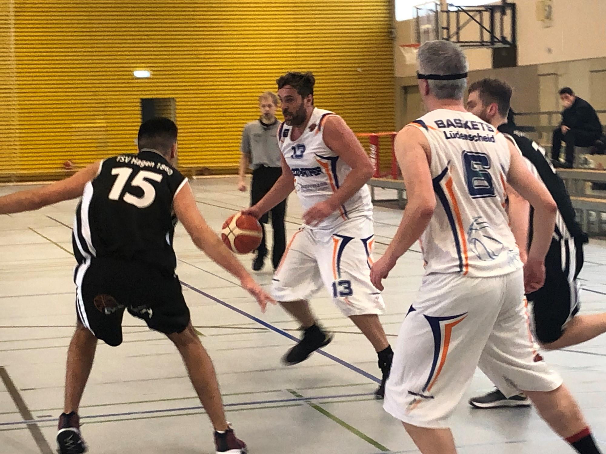 """Herren-Landesliga: Gutes Spiel mit vielen """"alten Hasen"""""""