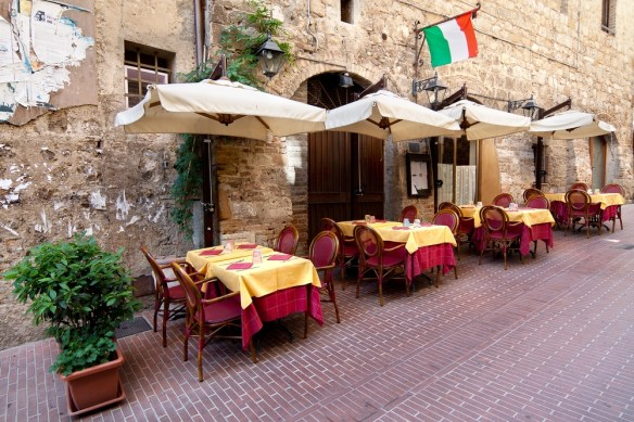 How to Dine Out in Italy | A Dining Guide to Italian Meals and Etiquette