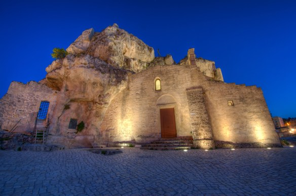 A complete guide on how to visit the cave town of Sassi di Matera Italy