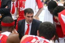 O técnico Georgios Bartzokas (Samuel Vélez)