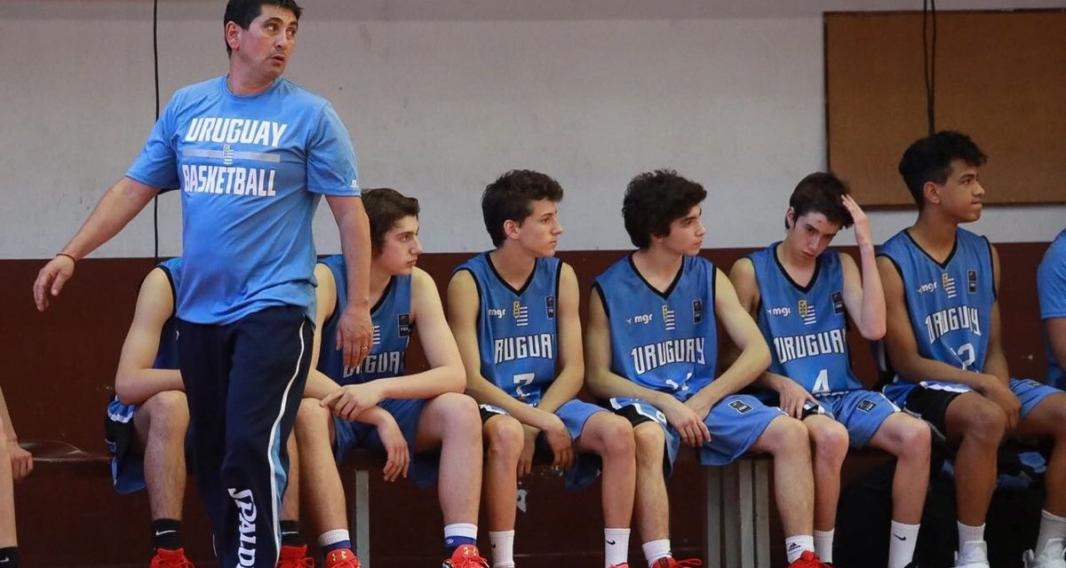 """""""Si pensamos que enseñar básquetbol es solamente picar la pelota, estamos en un error grave"""""""
