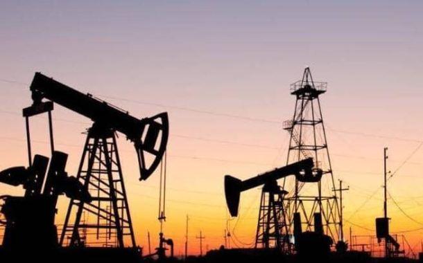 اقتصاديون يرجحون وصول أسعار النفط لـ60 دولارا للبرميل