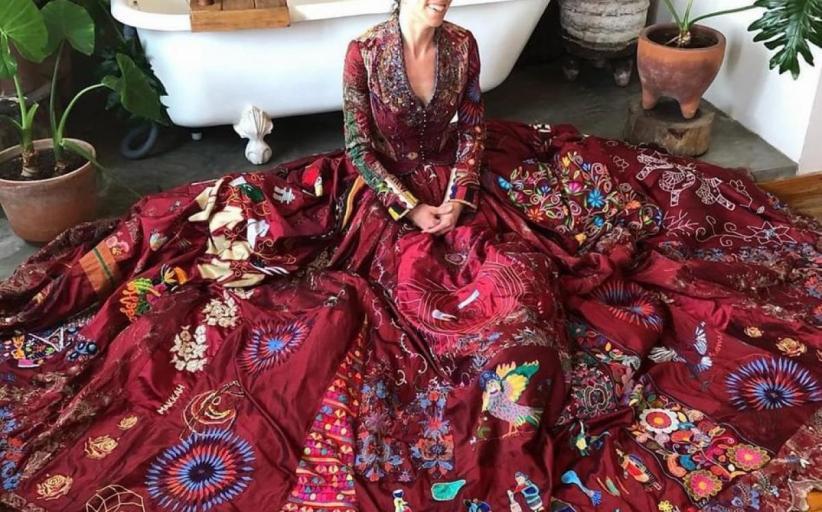 فستان صنع في 28 دولة بمشاركة 128 موهوباً