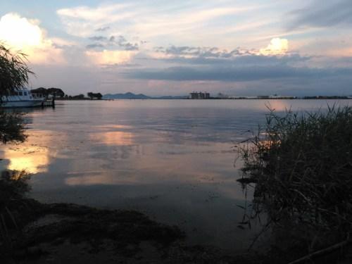 琵琶湖大橋西詰、観光船桟橋近く