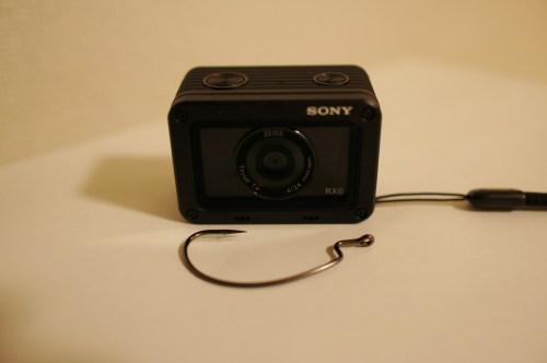 ソニーのデジカメDSC-RX0、大きさ