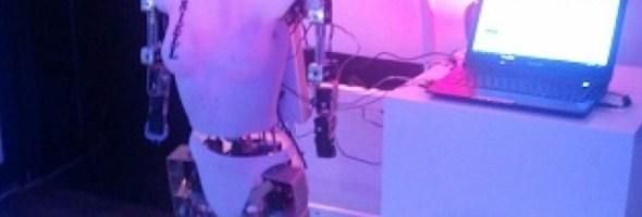EMOX e ARIELL quei robot che vogliono esservi amici al salone ROBOTICA 2012