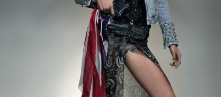 Guess presenta la nuova Iconic Customized Collection
