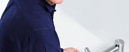 La tecnologia Dyson Airblade in un rubinetto: lava e asciuga le mani direttamente dal lavandino