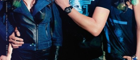 Continua la collaborazione tra Guess e Tiësto: Estesa la collaborazione alla categoria accessori