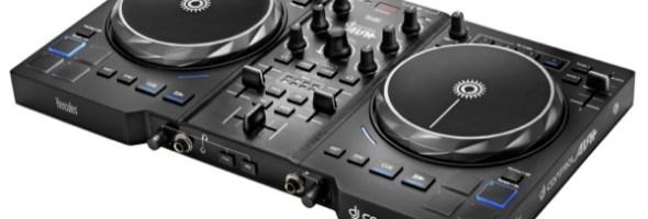 """""""Feel the air"""" con DJ CONTROL AIR+ Sei pronto per governare l'aria insieme a tutti i DJ che, quest'estate, vogliono puntare in alto? It's your turn* con il nuovo DJ CONTROL AIR+ di Hercules. *È il tuo turno"""