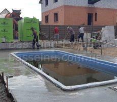 Строительство бассейна из композита для дачи фотография 6.