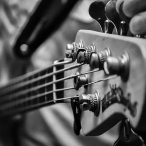 弦のテンションを上げると何がいいのか?強いテンションによるメリットとデメリットとは?