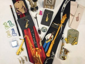 display of gifts for saxophone players