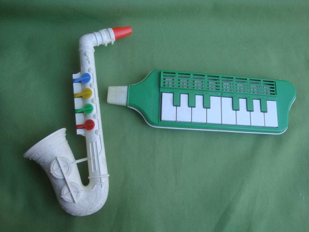 Proll-O-Tone toy sax, Blow Melodeon, vintage, plastic, free reed, musical toys