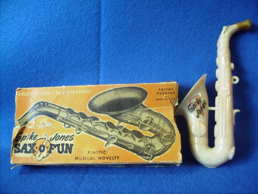 Sax-o-Fun, Spike Jones toy sax, vintage saxophone-shaped toy