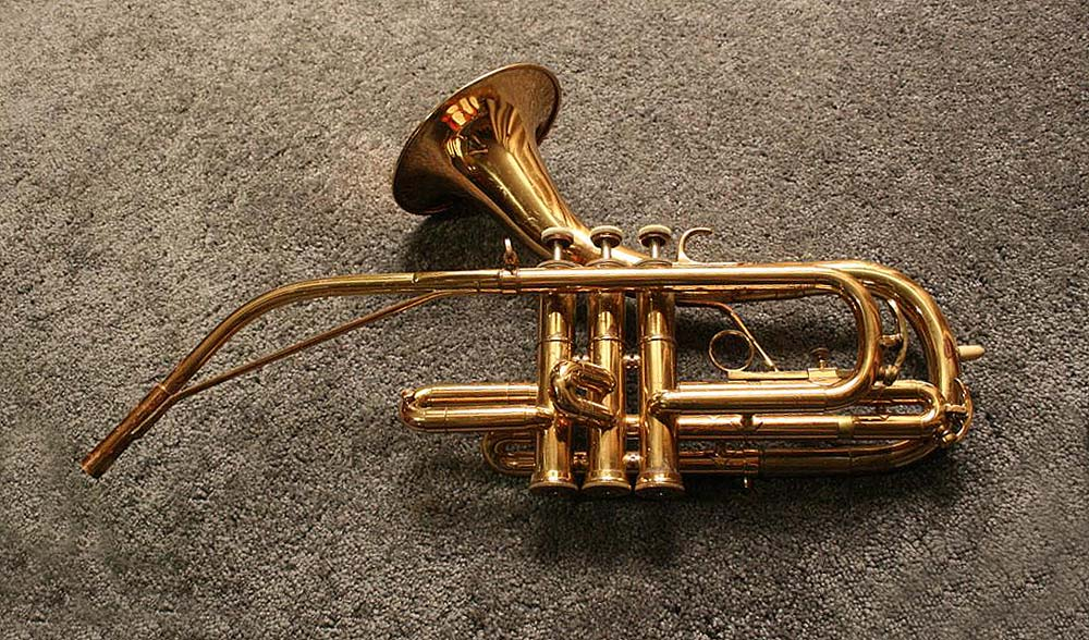 saxophone shaped trumpet made by julius keilwerth model toneking 3000