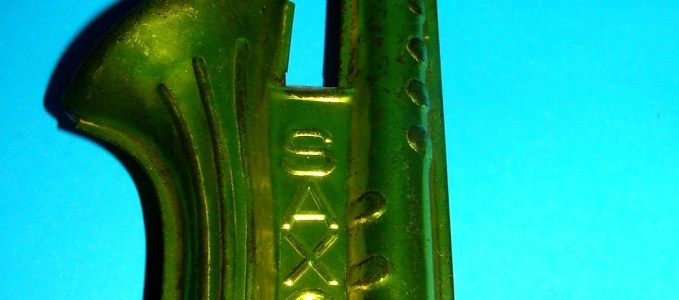 Saxo: An Iridescent Argentinian Kazzo