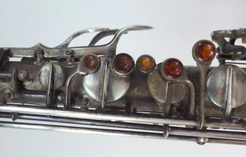 Akustik tenor, serial # 2874. Source: fatato81 on eBay.com