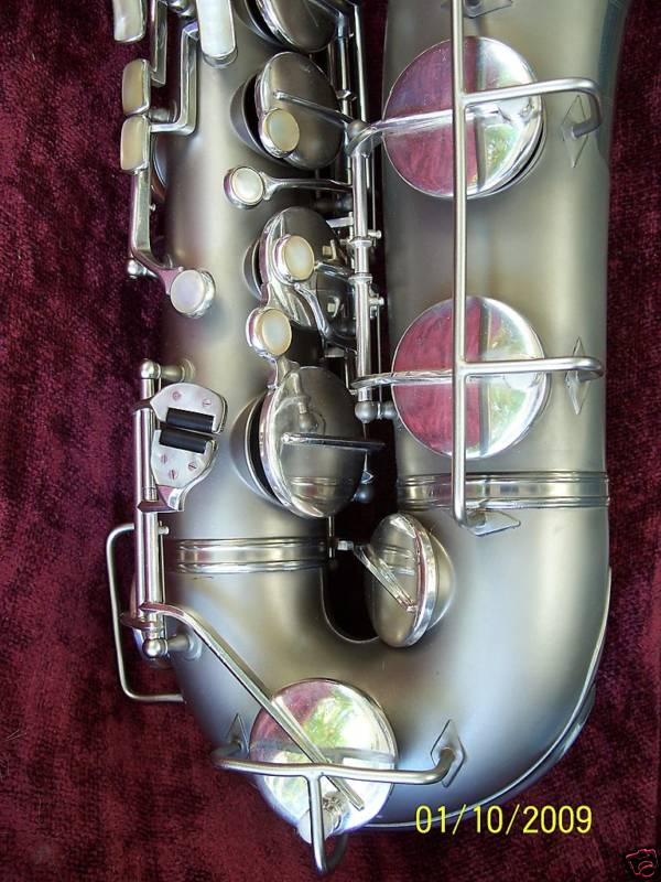 tenor saxophone, saxophone keys, mother of pearl key touches, Weltklang, vintage, German sax, DDR, silver plated