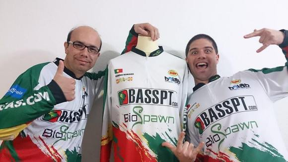 Primeira aparição com os novos jerseys, um dia antes da Mora Pesca 2015