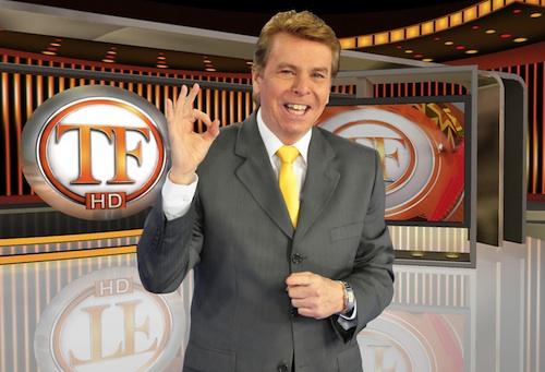 RedeTV! renova com Nelson Rubens até 2020