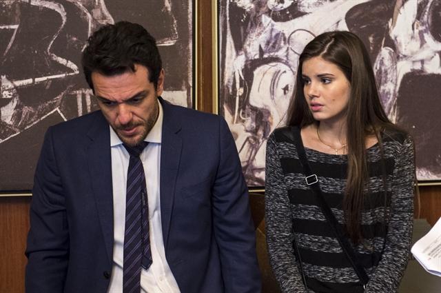 """Rodrigo Lombardi e Camila Queiroz em cena de """"Verdades Secretas"""". Foto: Globo/Estevam Avellar"""