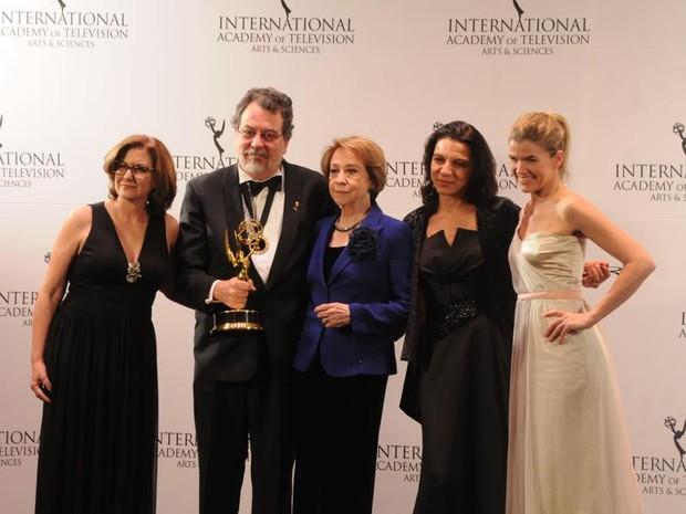 Comédia 'Doce de mãe' leva prêmio no Emmy Internacional 2015 (Foto: Facebook / International Emmy Awards)