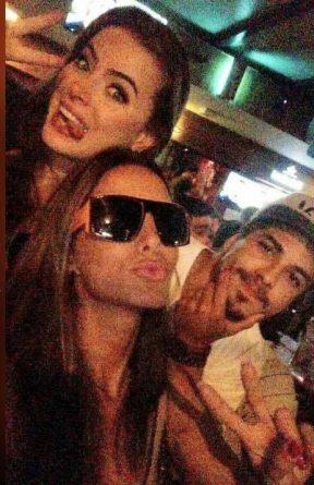 Douglas Sampaio, Rayanne Morais e Carla Prata se encontraram no fim de semana no Rio. Foto Facebook/Reprodução