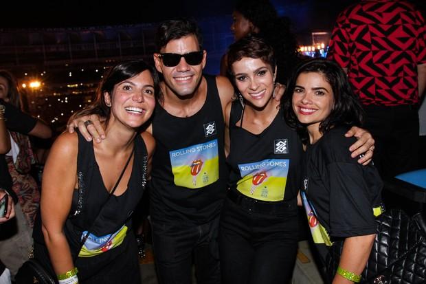 Carol Sampaio, Juliano Cazarré e esposa, e Vanessa Giácomo. Foto: Renato Bairros/Divulgação