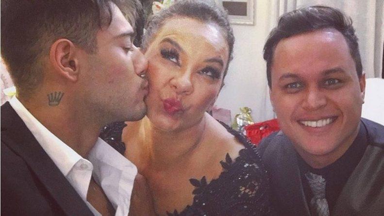 Solange com o marido e o ator Lucas Lucco durante a festa. Foto: Reprodução/Instagram