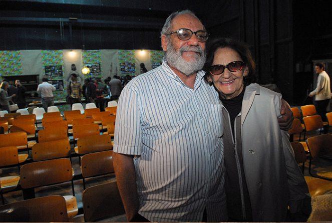 """O autor Walther Negrão junto com a atriz Laura Cardoso em workshop da novela """"Araguaia"""" em 2010. Foto: Globo/João Miguel Júnior"""