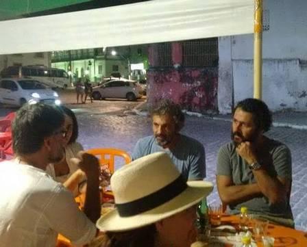 Domingos Montagner na companhia de Marcos Palmeira, Luiz Fernando Carvalho e Christiane Torloni Foto: reprodução/instagram