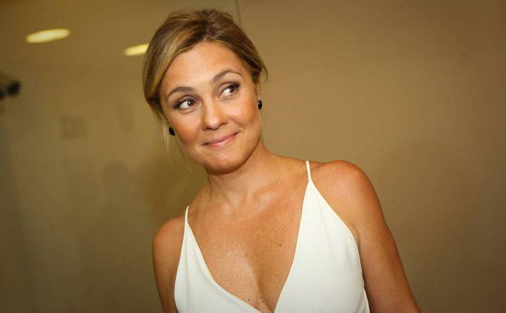 Adriana Esteves viverá cafetina em nova novela das 21h