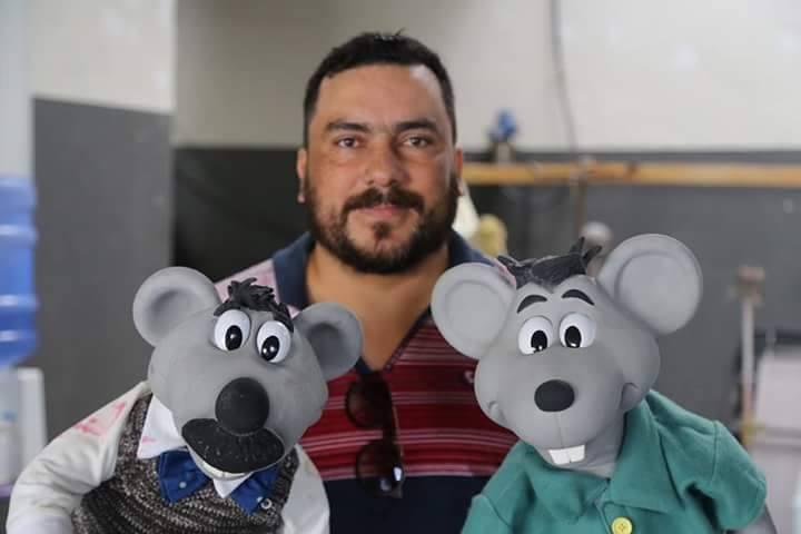 """Eduardo Mascarenhas, intérprete do boneco """"Xaropinho"""". (Foto: Reprodução)"""
