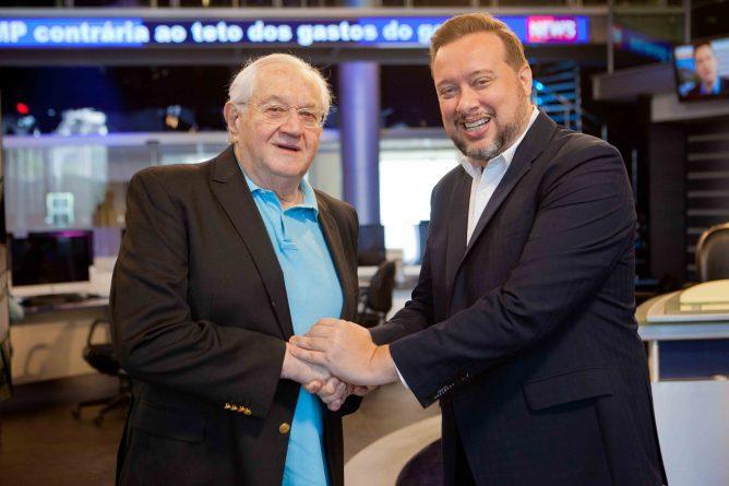Boris Casoy e o superintendente de Jornalismo e Esportes da RedeTV!, Franz Vacek. Foto: Artur Igrecias/RedeTV!