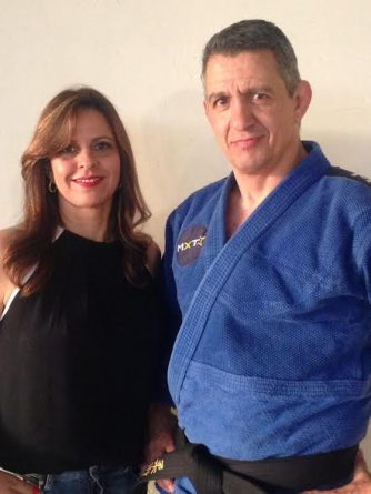 (Foto: O judoca Max Trombini ao lado da apresentadora Maíta Teixeira/Por Você/SBT Interior)
