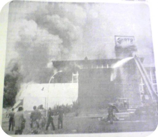 TV Bandeirantes sofreu um dos maiores incêndios da história da TV no Brasil. Bombeiros conseguiram isolar e salvar a Rádio Bandeirantes, em 1967.
