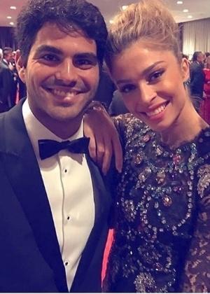 Grazi e namorado no Emmy Internacional em NY