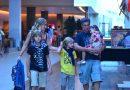 Angélica viaja para Porto de Galinhas com Luciano Huck e filhos
