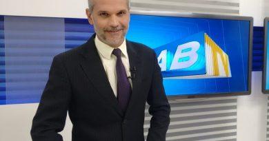 Apresentador da Globo é atingido por bala perdida