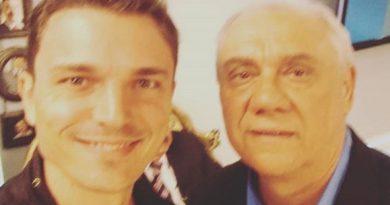 Marcelo Rezende recebe homenagem do filho