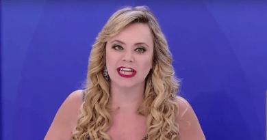 """Com novo visual, Flor do SBT dá entrevista exclusiva e faz revelações: """"O Silvio gosta que a gente entre em conflito"""""""