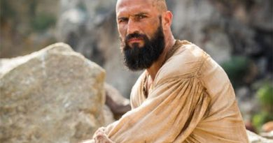 "José Fidalgo volta careca para ""Deus Salve o Rei"""