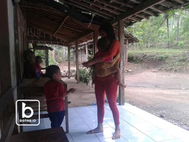 ©batas.id/reymond supriyanto/utari bersama anaknya