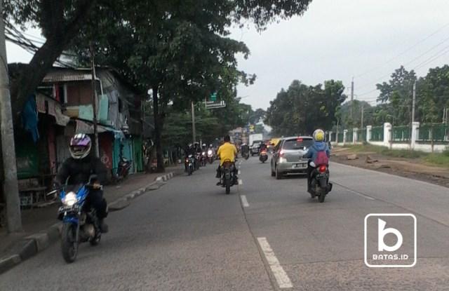 Aksi melawan arah di Jl.Tanjung Barat/foto Denis Priwanda/batas.id