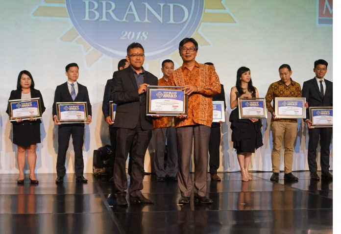 Sharp Sabet Lima Penghargaan Top Brand 2018